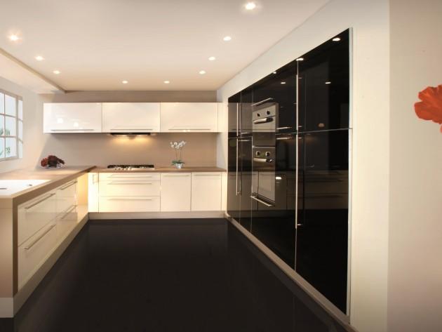 Cuisines contemporaines inova cuisine aeros blanc et for Carrelage cuisine noir brillant