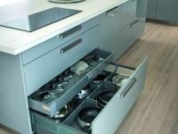 Aménagement d'un espace design de cuisine et rangements