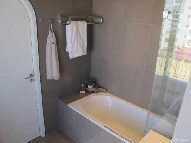 Decoration Platre Pour Cuisine : Salle de bain avec baignoire  Inside Création  Baignoire et douche