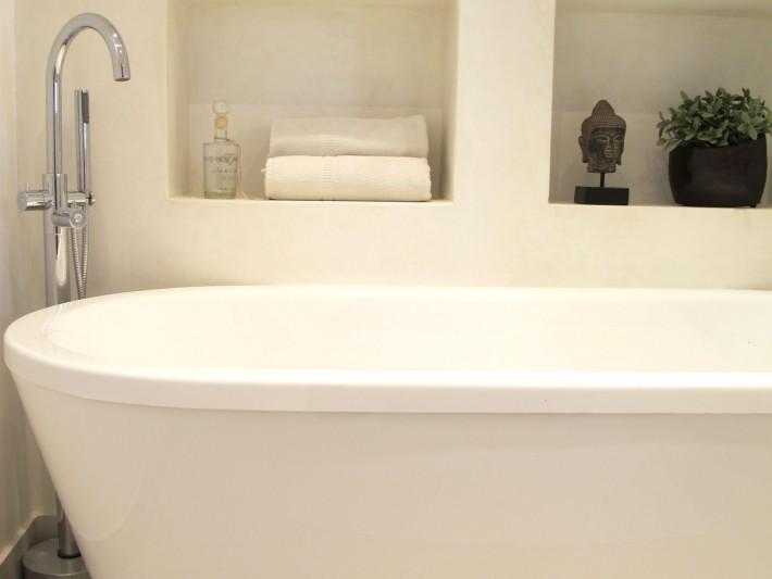 Salle de bain baignoire ilot - Inside Création - Baignoire ilot ...
