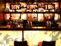 Bar chaleureux à l'hôtel Buddha