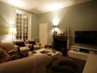 Canapé et fauteuils beige en tissus