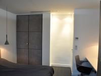 Chambre à coucher pour les invités avec bureau