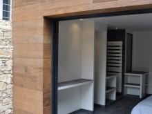Chambre à coucher sous la terrasse