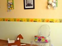 Chambre d'enfant avec chaise édition Philippe Starck