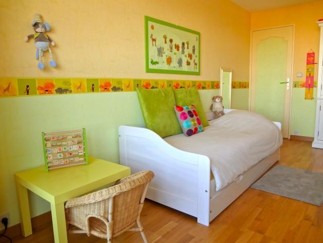 Chambre d'enfant dans les tons verts