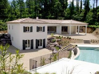 Château provençal avec piscine et terrasse