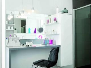 Coiffeuse salle de bain avec suspension lumineuse industrielle