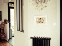 Corridor avec décoration ethnique