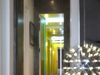 Couloir de couleurs vives