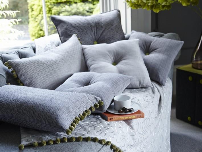Coussins décoratifs et plaid