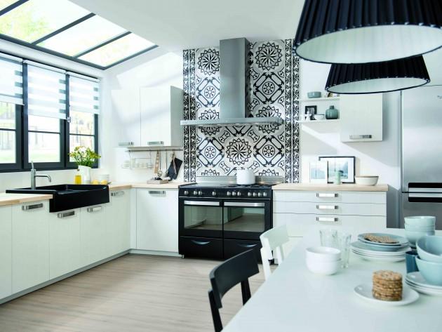 Cuisine artwood schmidt cuisine moderne noire et blanche avec cr dence mu - Credence cuisine blanche ...