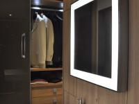Dressing avec meuble lavabo et miroir éclairé