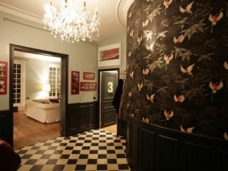Entrée décoration noir et blanc avec carrelage mosaïque