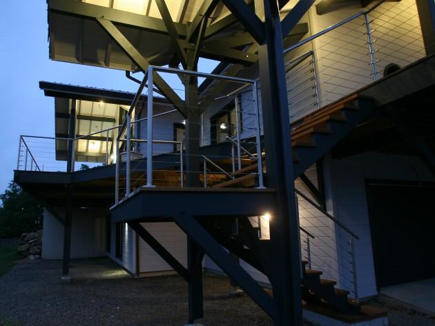 Construction maison ossature bois guillaumie escalier for Construction escalier exterieur