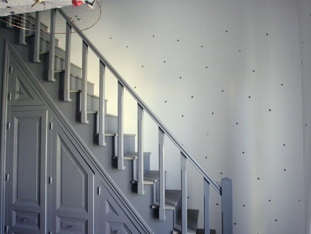 Escalier menant à la mezzanine
