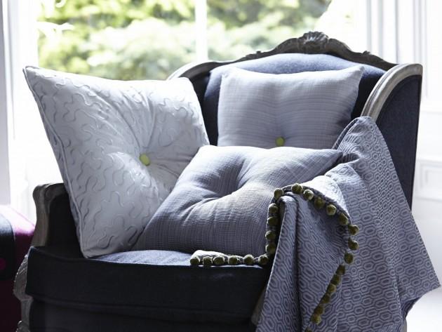 textiles clifton prestigious textiles fauteuil de style baroque recouvert d 39 un tissu d. Black Bedroom Furniture Sets. Home Design Ideas