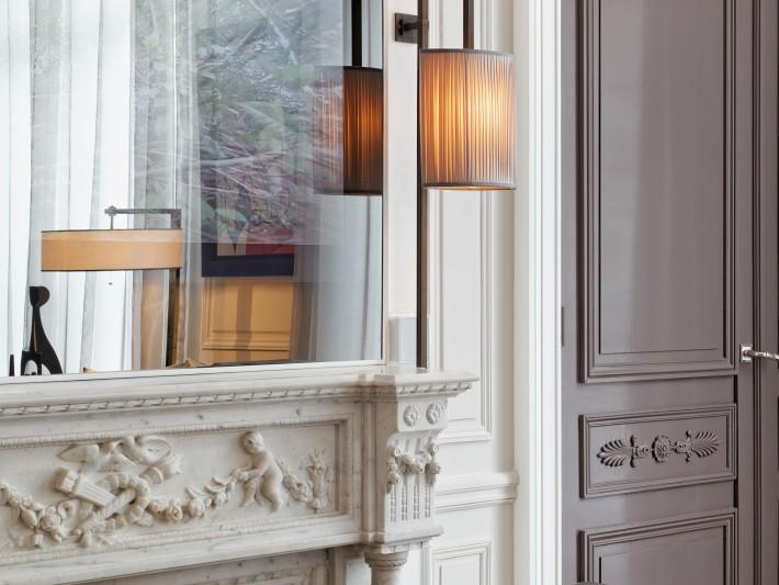 Grand salon - vue sur cheminée en marbre de carrare