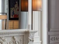 Grand salon - vue sur cheminée en marbre