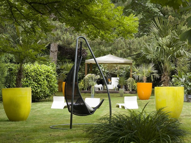 jardin contemporain ocre - photo : Idéesmaison.com