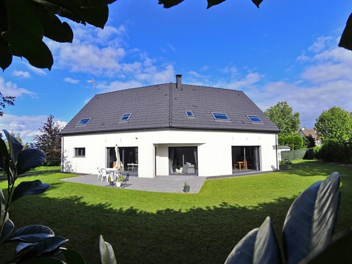 Maison contemporaine vue sur jardin