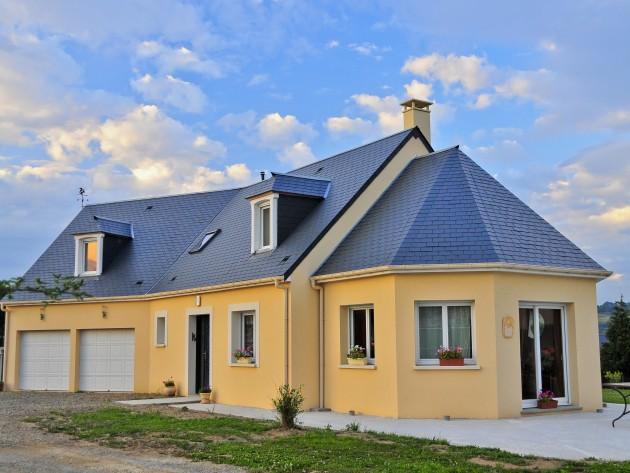 Maison individuelle d'architecture classique vue d'ensemble