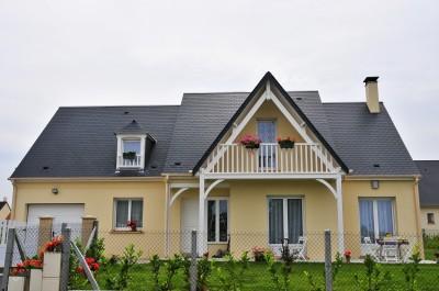 Photos sur le th me balcon bois id for Balcon facade maison