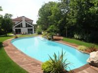 Margelle en bois pour piscine