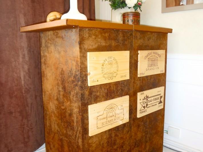 d coration int rieur appartement looka d co meuble caisses de vin recycl es id. Black Bedroom Furniture Sets. Home Design Ideas