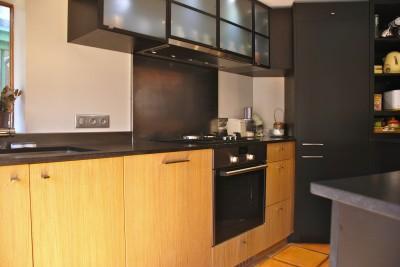 Mobilier de cuisine en bois massif meuble de cuisine bois for Pier import oran