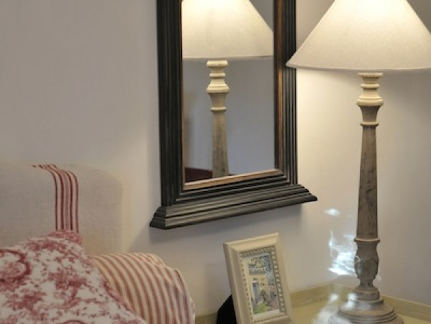 d coration bastide de grand boise villa medicis miroir ancien encadr de bois id. Black Bedroom Furniture Sets. Home Design Ideas