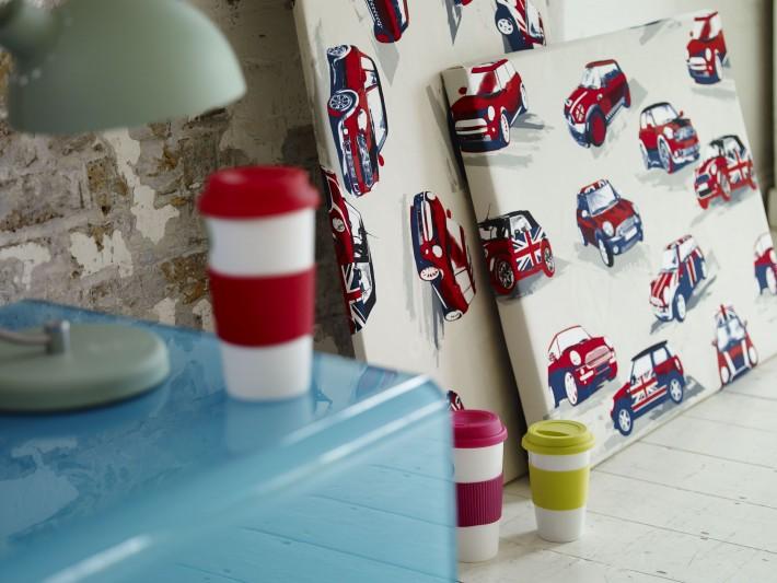 Papier peint coloré et aux motifs urbains