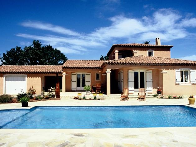 Petit château provençal, avec piscine