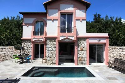 Photos sur le th me piscine urbaine id for Petite piscine beton