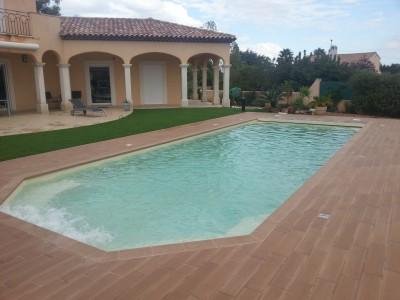 Photos sur le th me spot encastrable id for Spot piscine bois