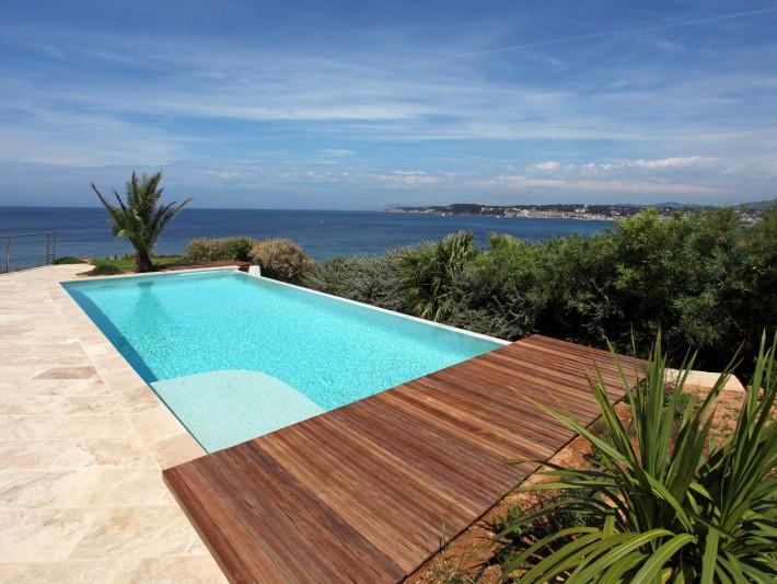 piscine d bordement diffazur piscine plage bois. Black Bedroom Furniture Sets. Home Design Ideas