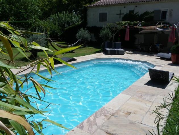 Piscines tendances piscine relaxante id for Tendance piscine