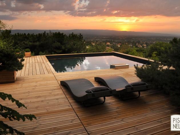 Piscinelle BO : Piscine carrée avec terrasse en bois naturel