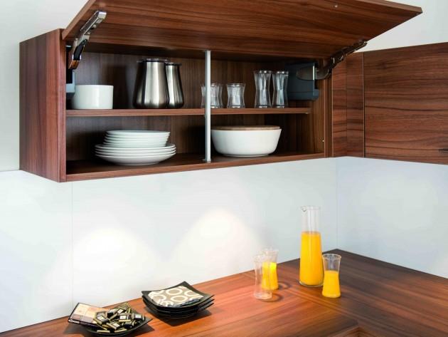 cuisine strass magnolia nocce schmidt placards de rangement assorti au plan de travail. Black Bedroom Furniture Sets. Home Design Ideas