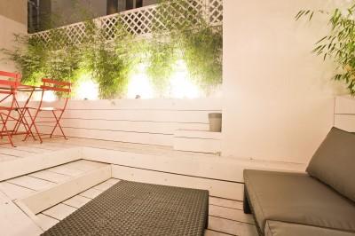 Plantes de bambous sur la terrasse