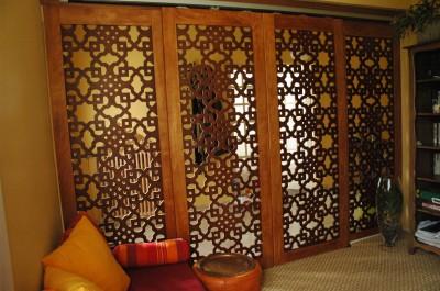 Portes coulissantes en claustra moucharabieh