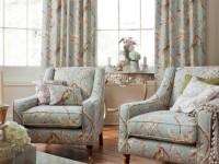 Présentation de fauteuils à motifs