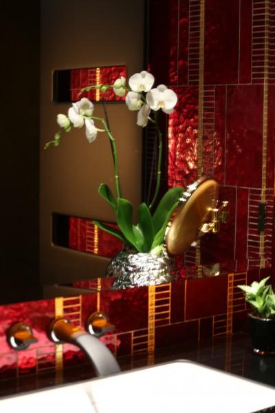 S che serviette acova buddha bar zehnder id for Reflet dans le miroir