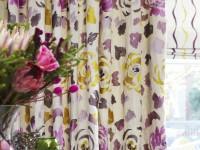 Rideaux à motifs floraux