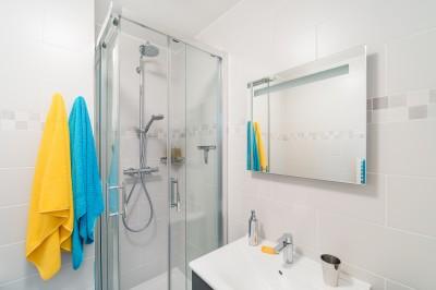 Idee deco salle de bains photo salle de bains page 5 id for Amenager 25m2