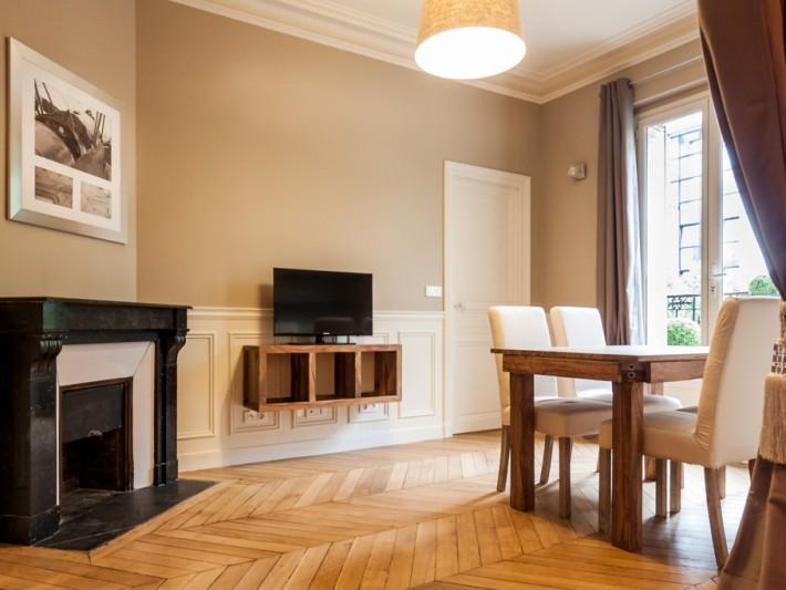 r novation appartement haussmannien r novation parisienne salle manger alliant le charme. Black Bedroom Furniture Sets. Home Design Ideas