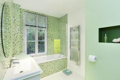 Salle de bains verte photo salle de bains verte - Salle de bain vert et marron ...
