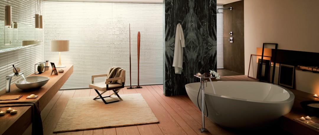Salle de bain avec baignoire ronde et design