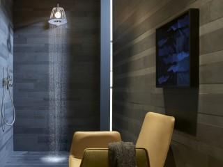 Salle de bain moderne avec Lampshower