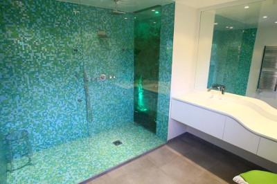 carrelage vert pour salle de bain salle de bain bleu carrelage et faence notre maison - Faience Bleue Salle De Bain
